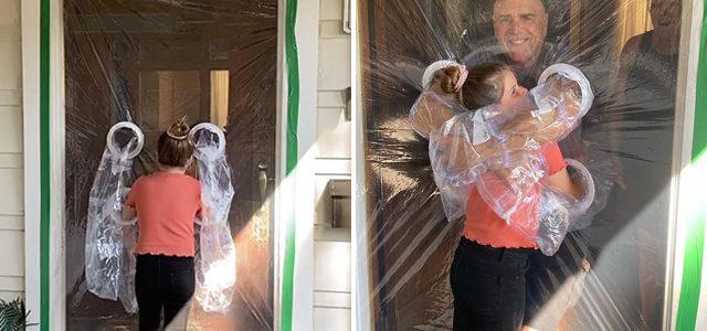 À 10 ans, elle installe un «rideau de câlins» pour pouvoir enlacer ses grands-parents
