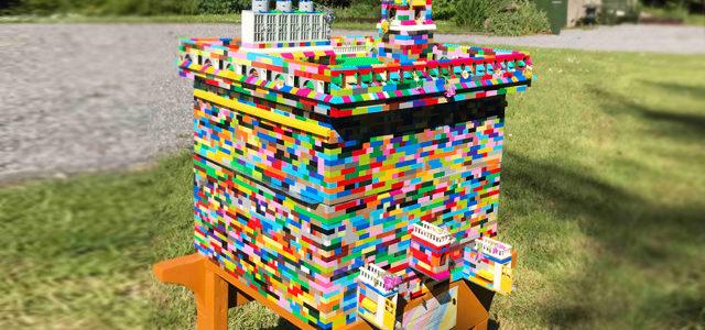 Il fabrique une ruche fonctionnelle en LEGO