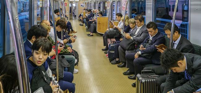 Notre addiction aux smartphones nous transforme en «animal asocial»