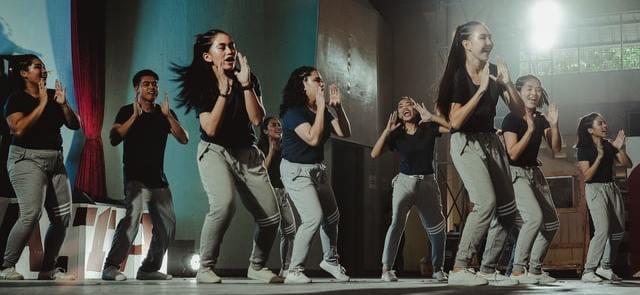 Vybe, la néo banque qui fait danser les jeunes sur Tik Tok