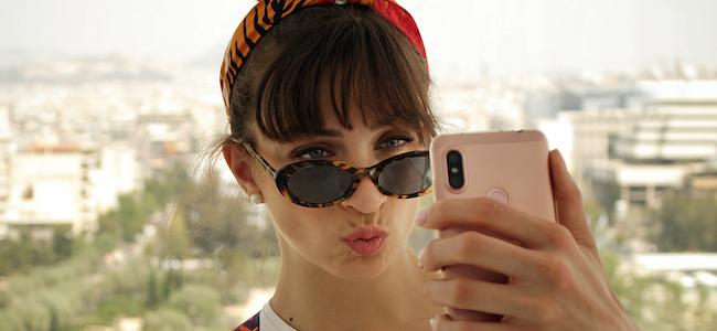 La mélancolie des selfies – Influencia