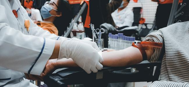 DDB célèbre le don du sang avec sa campagne « Rejoignez-nous, devenez…