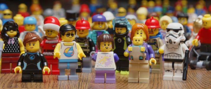 un kit pour LEGO représentant des personnes handicapées